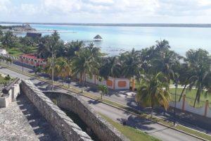 Форт Сан Фелипе в лагуне Бакалар. Мексика