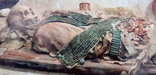 гробница в пирамиде Калакмуль