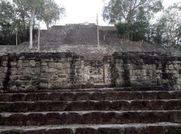 Структура 1 пирамиды Калакмуль