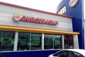 Бургер Кинг это решение чем занять детей и поработать в Канкуне.