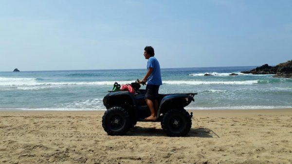 Спасатели на пляже Agustinillo