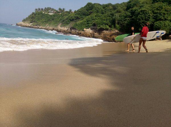 Серфинг на пляже Carrizalillio
