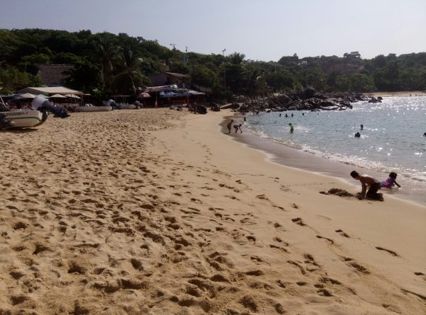 Пляж для детей в Пуэрто Эскондидо