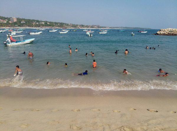 Пляжи Marinero и Principal в Пуэрто Эскондидо