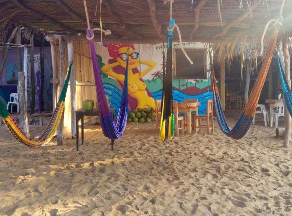 Неформальный пляж для нудистов в Мексике, натуристов и меньшинства. Zipolite