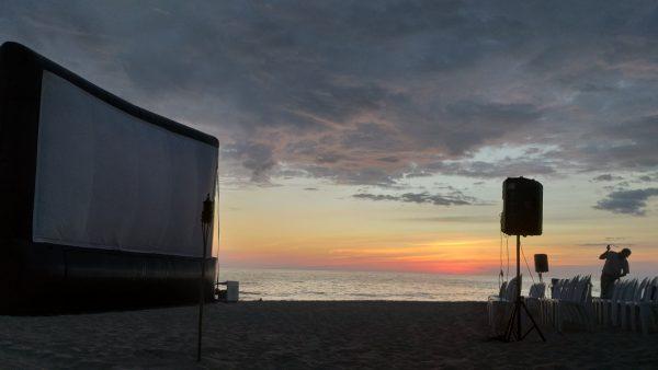 Кинотеатр под открытым небом в Пуэрто Эскондидо.