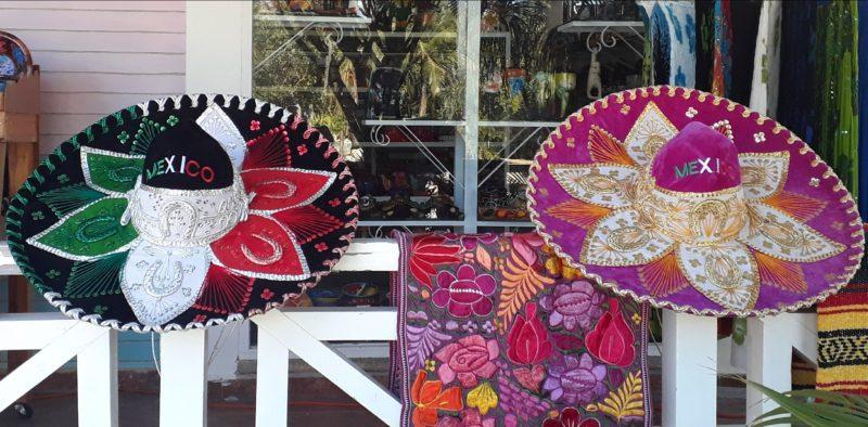 Сувениры из Мексики. Сомбреро.