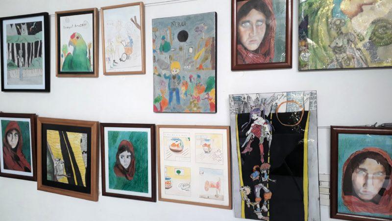 Выставка художественных работ в Пуэрто Эскондидо.