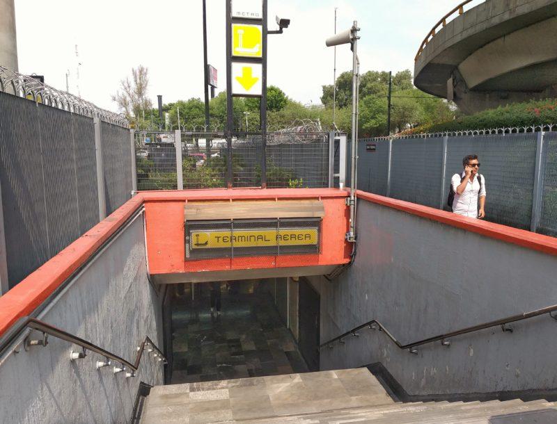 Аэропорт Мехико. Метро из Терминала 1.