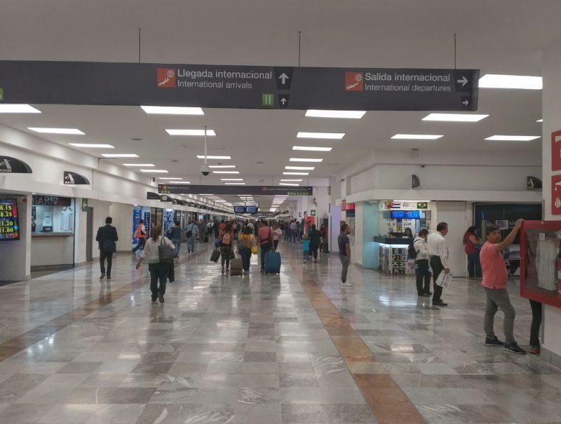 Аэропорт Мехико. Зона прилета международных рейсов