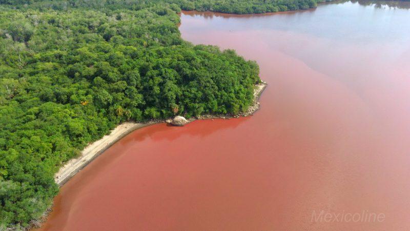 Розовое озеро в Мексике. Штат Оахака.