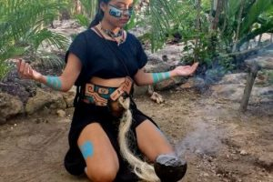 Девушка индеец майя. Chichikan.